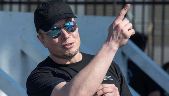 Elon Musk Is Making Hay While the Sun Shines on Tesla & SpaceX