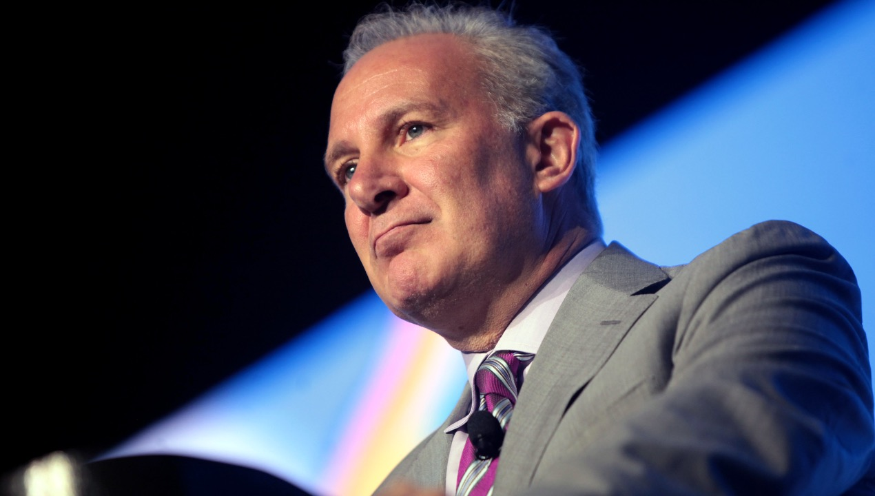Haunted by Past Elon Musk Predictions, Gold Bug Peter Schiff Tears Into Tesla's BTC Acquisition – Economics Bitcoin News
